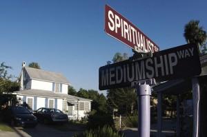 literary tours cassadaga spiritualist mediumship signs