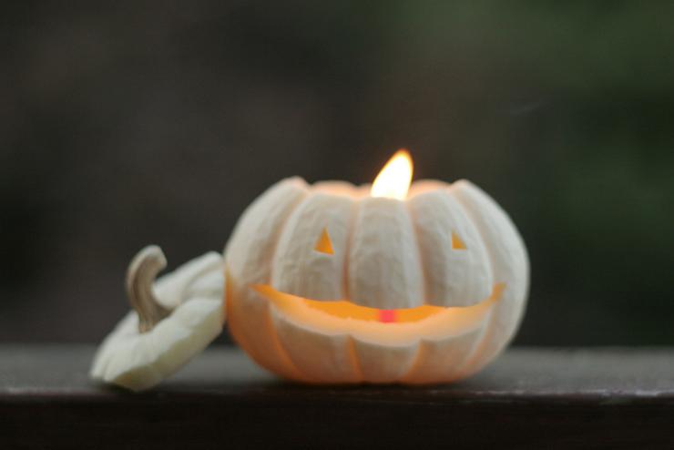 Pumpkin candle monster halloween prompt