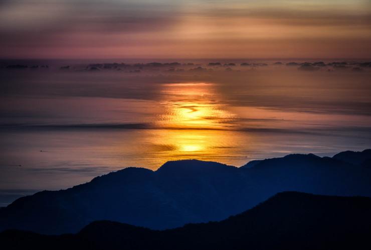 sunrise-mountains-creating-joy