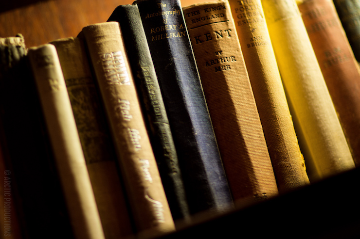 Book lover old books poetry prompt