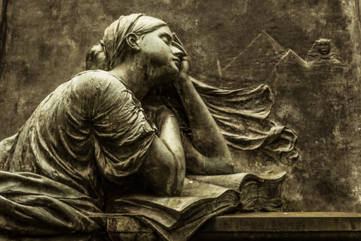 Statue grief